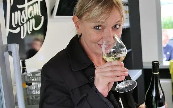 chloe paccot l instant vin